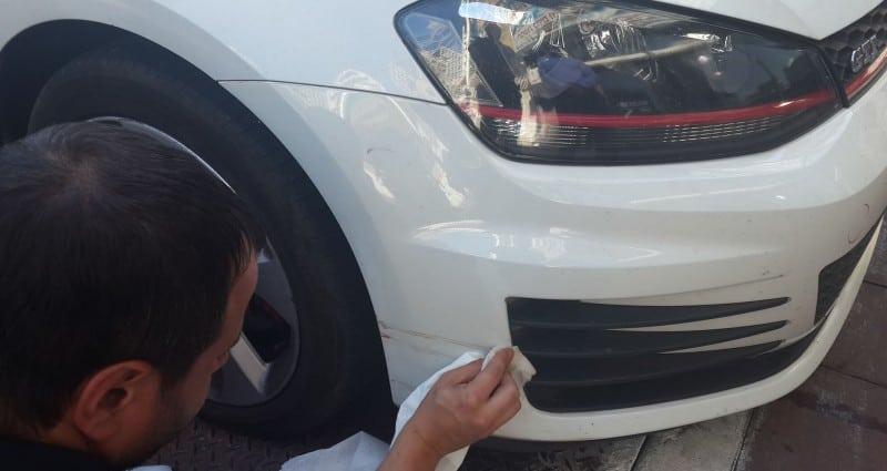 תהליך מריחת ציפוי נגד שריטות לרכב