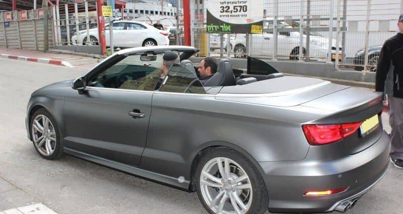 רכב audi עם ציפוי מט למיגון נגד שריטות ואבנים